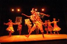 Balé popular apresentando o espetáculo Floreô no Teatro Lima Penante - Setembro de 2017. Foto: PROEX