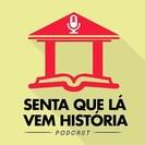 Logomarca do podcast Senta que lá vem história_Disponível no Instagram